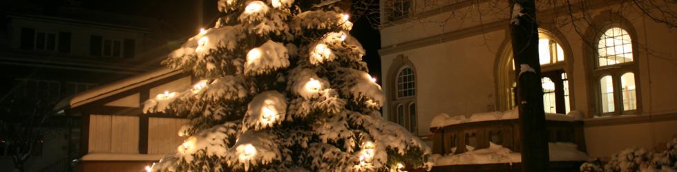 Rathaus Kirchhundem im  Winter; Foto: Wolfgang Grotmann